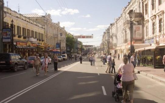 С 1 августа на Подоле расширится площадь пешеходной зоны