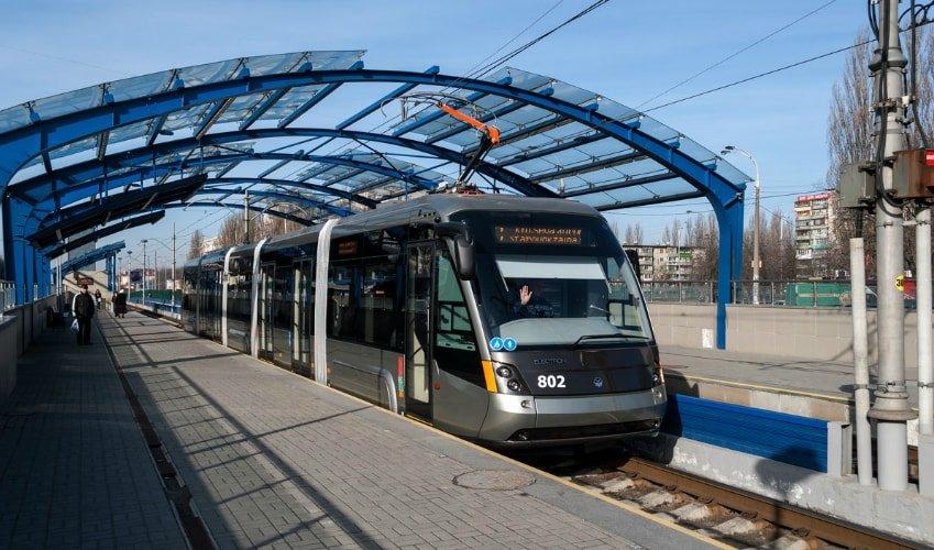 3) Скоростной трамвай с Борщаговки до Дворца спорта