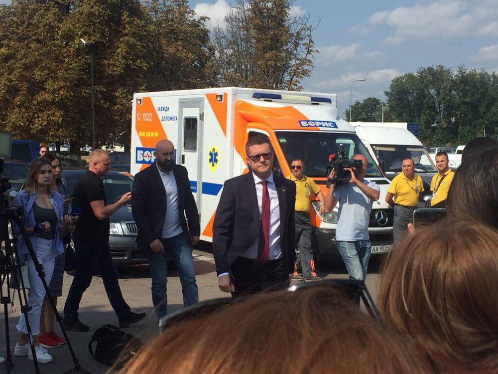 Также прибыл глава СБУ Баканов