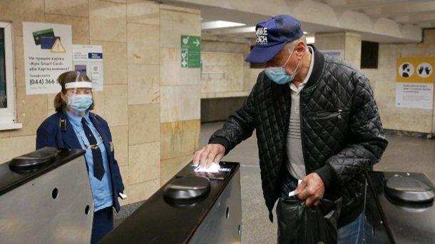 Первый день работы метро в Киеве